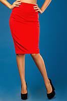 Красная юбка-карандаш на змейке