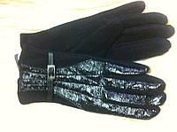 Кашемировые перчатки с лаковыми вставками