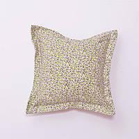 Декоративная подушка в цветочек оливковая