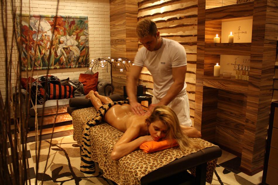 Чешская эротический массаж 22 фотография