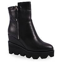 Стильные женские ботинки (черные, кожаные, зимние, на платформе, на танкетке, есть замок)
