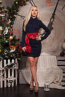 Короткое платье-туника спереди декорировано карманами
