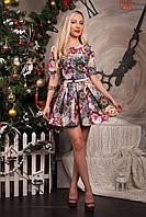 Праздничное женское платье с пышной юбкой с очень красивым цветочным принтом