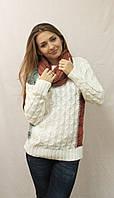 Модный женский свитер  с хомутом белый