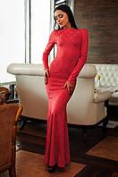 Женское платье в пол из фактурного гипюра с вырезом на спинке