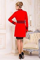 Элегантное красное кашемировое пальто с кружевами