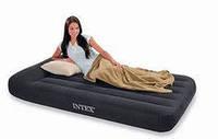 Двуспальная надувная кровать Intex Pillow Rest Classic Intex 66768. Размеры 137 х 191 х 30 см.