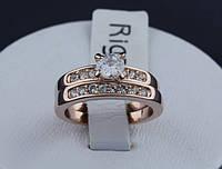 Женское кольцо с камнем. Бижутерия