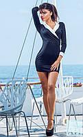 Чёрное женское платье с белым воротничком
