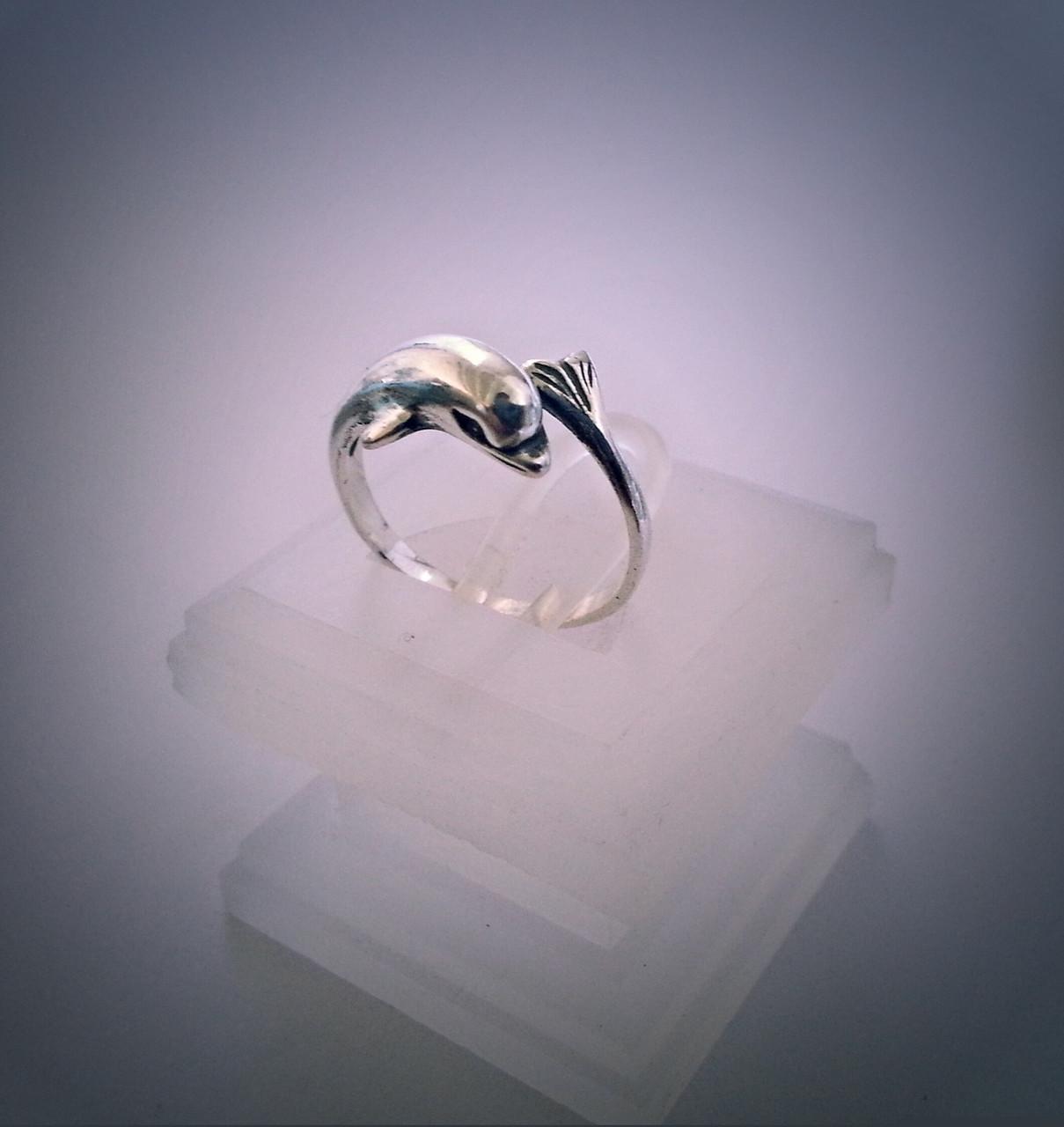 кольцо дельфин