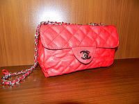 сумочка  Chanel на цепочке красная