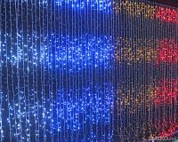 Новогодняя гирлянда с имитацией водопада: 480 лампочек, технология энергосбережения