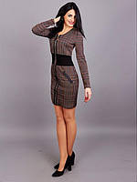 Модное платье с выделенной талией и молнией по передней планке