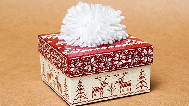 """Подарочная коробочка """"Новогодняя шапка"""" красный, цена 19,95 грн., купить в Умани - Prom.ua (ID# 183307999)"""