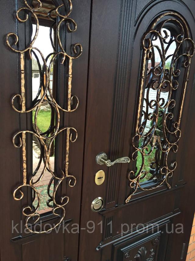 дверь полуторная входные со стеклом