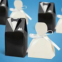 Бонбоньерка на свадьбу в виде жениха и невесты