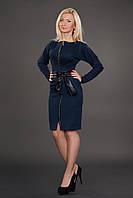 Теплое женское платье офисного стиля на молнии с поясом