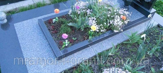 Сделать цветник на могилу