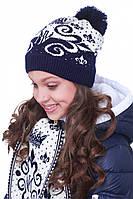 Теплая зимняя шапочка  для девочки с красивым узором украшена  помпоном