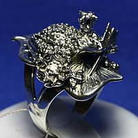 Массивное серебряное кольцо Лягушка с цирконами 4520 мм