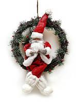Новогодний декор венок с игрушкой Санта