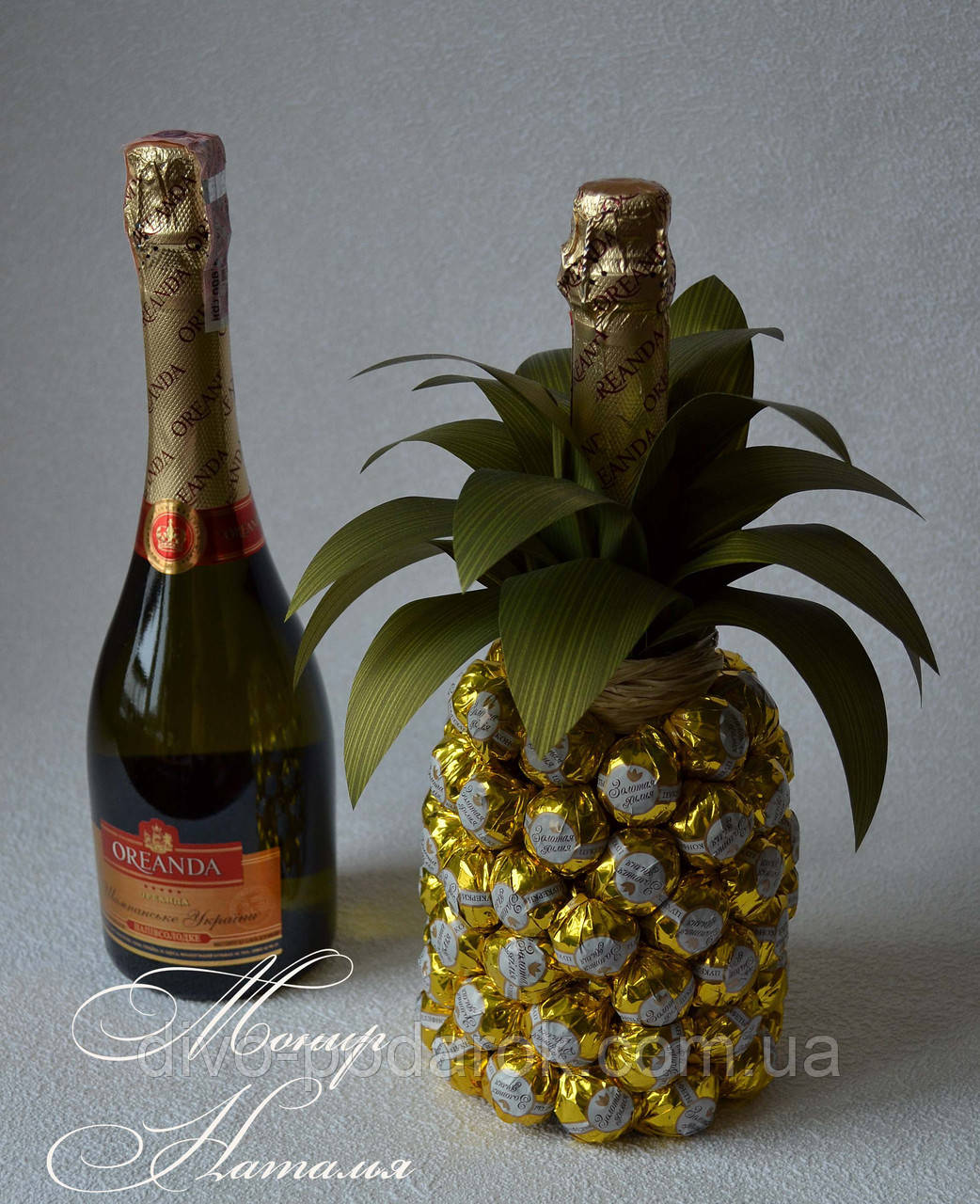 Букеты из конфет, декор бутылок вина и шампанского Olga Malinovskaya