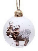 Елочный шар 8см белый с декором Олень