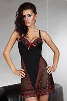 Кокетливая черная ночная сорочка с красной вышивкой