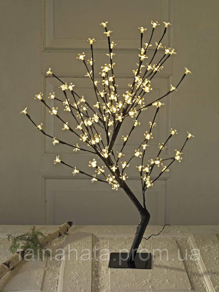 Новогоднее дерево из гирлянды