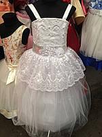 Платье детское праздничное с кружевным украшением