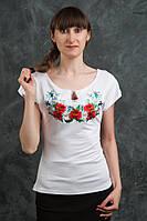 Красивая футболка с вышитыми цветами