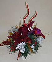 Подсвечник новогодний со свечами в красно-фиолетовых тонах