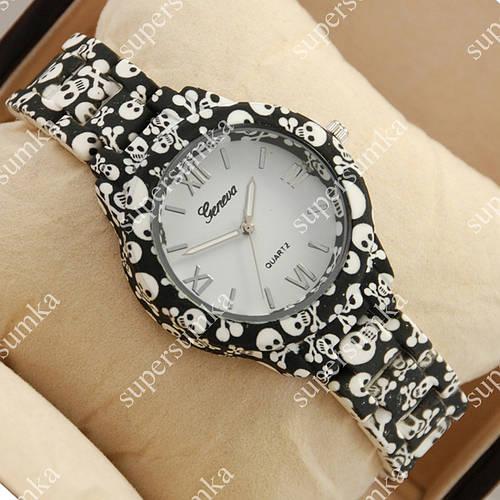 Необычные наручные часы Geneva Platinum Black-skull/White 1066