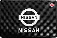 Силиконовый противоскользящий коврик в авто Ниссан (Nissan)