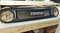 Toyota FJ Cruiser 2007-14 решетка радиатора новая оригинальная