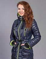 Практичная женская зимняя курточка