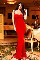 Вечернее длинное бархатное платье с открытыми плечами