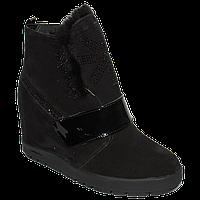 Зимние замшевые ботинки на скрытой танкетке и норковой опушкой