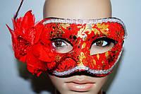 Карнавальная венецианская маска Красный цветок с золотом