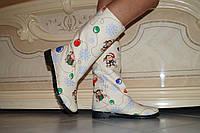 Женские красивые сапожки с рисунком на зимнюю тематику. Арт-0219