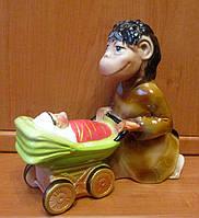 Подарок для семьи - Копилка Обезьяна с коляской