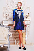 Красивое платье прямого кроя синее с рисунком