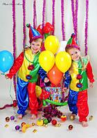 Детский новогодний костюм. Новогодний костюм петрушка. Карнавальный костюм. Костюм для девочки и мальчика.