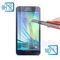 Защитное стекло для экрана Samsung Galaxy A3 (a300) твердость 9H, 2.5D (tempered glass)