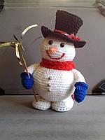 Игрушка вязанный снеговик