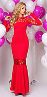 Женское вечернее платье в пол красного цвета с кружевом.