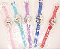 Часы наручные пластмассовые детские