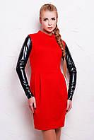 Женское красное платье на молнии сзади с кожаными рукавами
