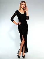 Чёрное женское длинное платье с разрезом выше колен из плотного гипюра.