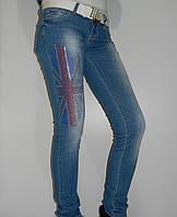 Светлые джинсы женские со стразами и флагом GB демисезонные Richmond 4921-803 Турция рр. 27, 30